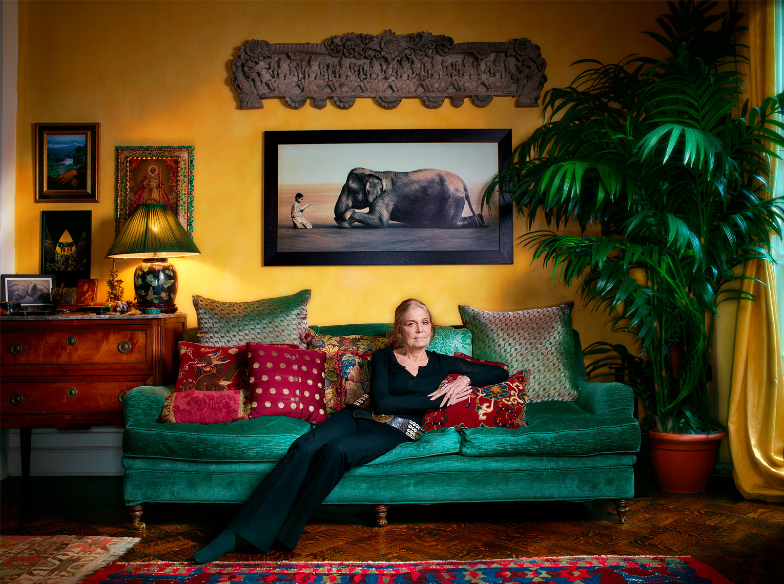 gloria_steinem_couch_NEW